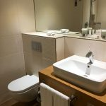 Modernes Badezimmer im Hotel Fire Ice in Neuss