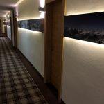 Viele Details auch im Hotelflur im Hotel Fire Ice in Neuss