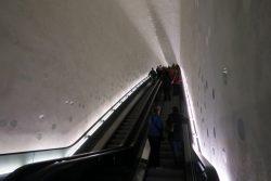 Die lange Rolltreppe am Eingang der Hamburger Elbphilharmonie