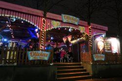 Olivia Jones Stand auf dem Santa Pauli Weihnachtsmarkt in Hambur