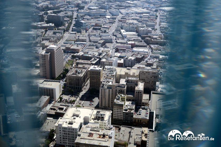 Blick auf die Dächer vom OUE Skyspace in Los Angeles
