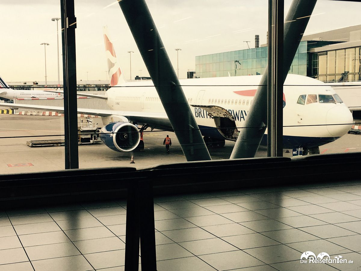 Warten auf den Abflug zunächst nach London