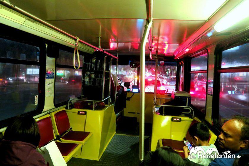 Der Innenbereich des Hop On Hop Off Busses