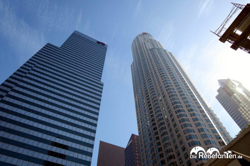 Der rechte Turm beherbergt den OUE Skyspace in Los Angeles