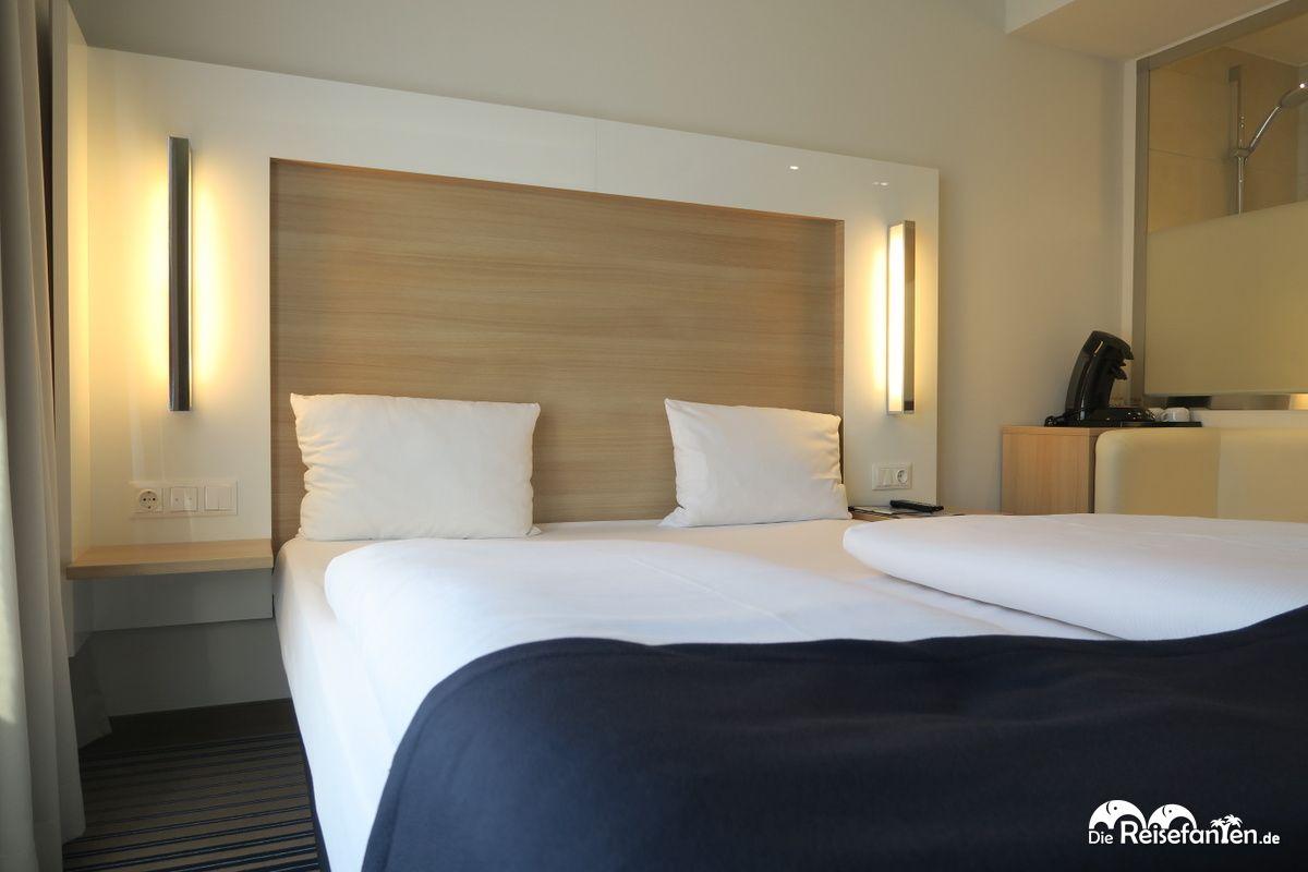 Doppelbett im Welcome Hotel in Frankfurt