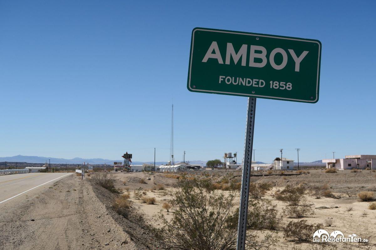 Das Ortsschild von Amboy