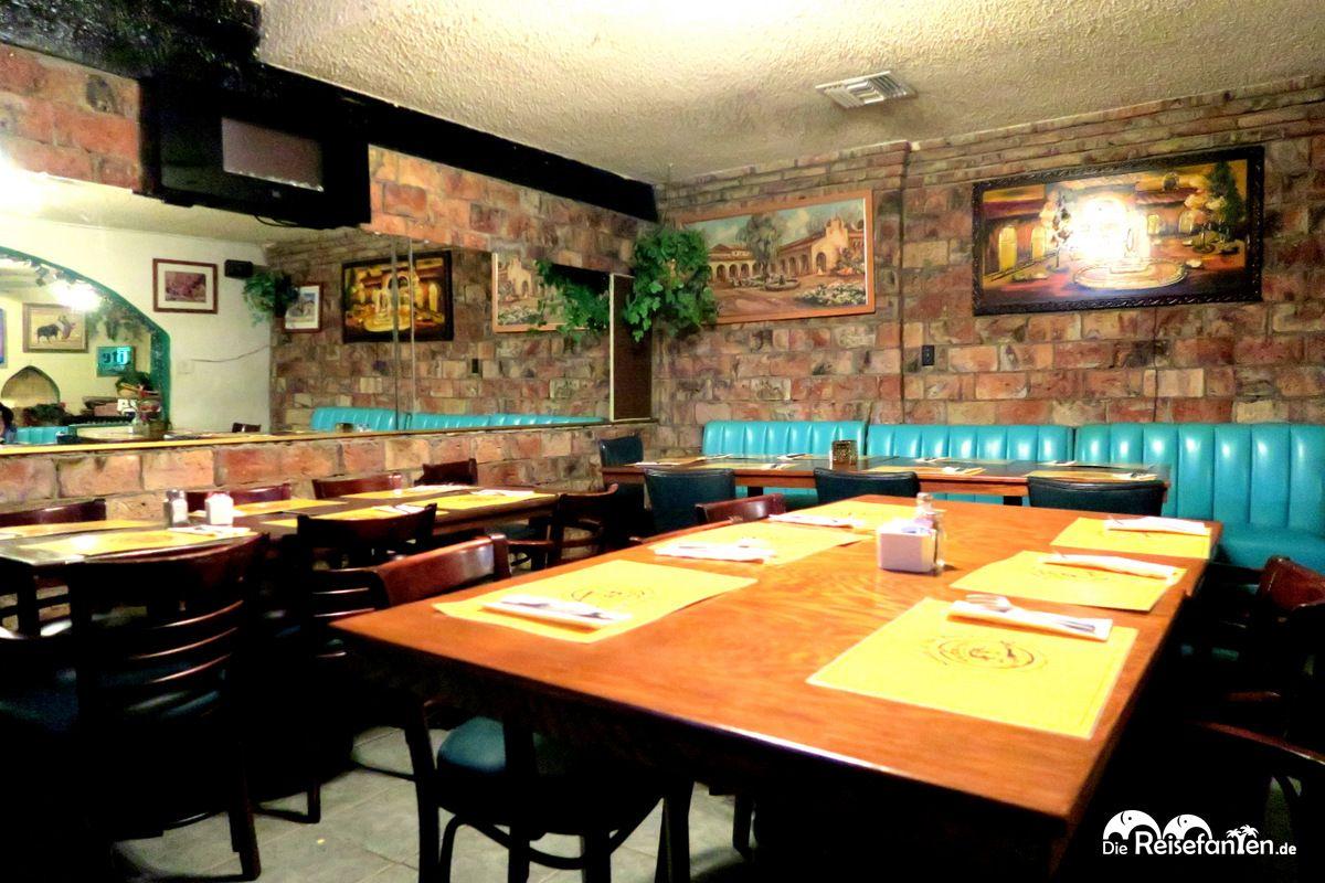 Inneneinrichtung im Restaurant South of the Border in Desert Hot Springs