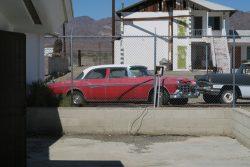 Alte Autos nahe Roys Motel und Café in Amboy