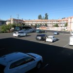 Parkplatz der Red Feather Lodge am Grand Canyon