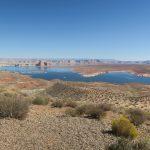 Blick vom Aussichtspunkt oberhalb des Lake Powell in Arizona