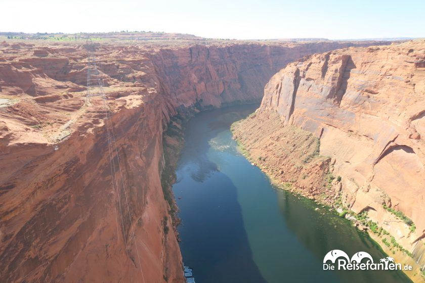 Blick auf den Colorado River am Glen Canyon Dam in Arizona