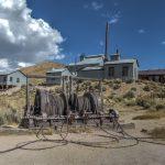 Förderanlage vor der Mine in der Geisterstadt Bodie
