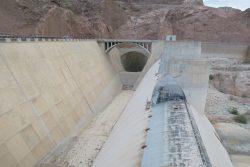Das Becken der Hochwasserentlastungsanlage des Hoover Dam