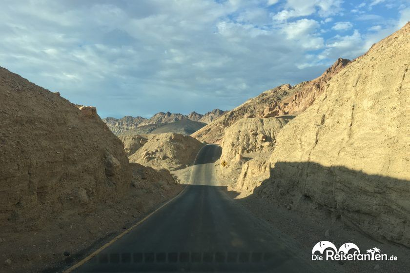 Der einspurige Artist Drive in Death Valley