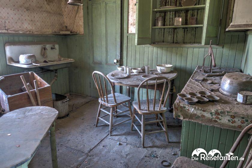 Eine Küche in der Geisterstadt Bodie
