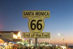 Die Route 66 endet am Santa Monica Pier