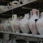 Amphoren soweit das Auge reicht in Pompeji