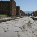Die Straßen in Pompeji sind mühsam