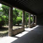 Eine schöne Mischung aus Bauwerken und Gärten in Pompeji