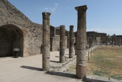 Die Stadt Pompeji ist teils sehr gut erhalten