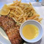 Grilllachs in der Joanna's Niko's Place Taverna