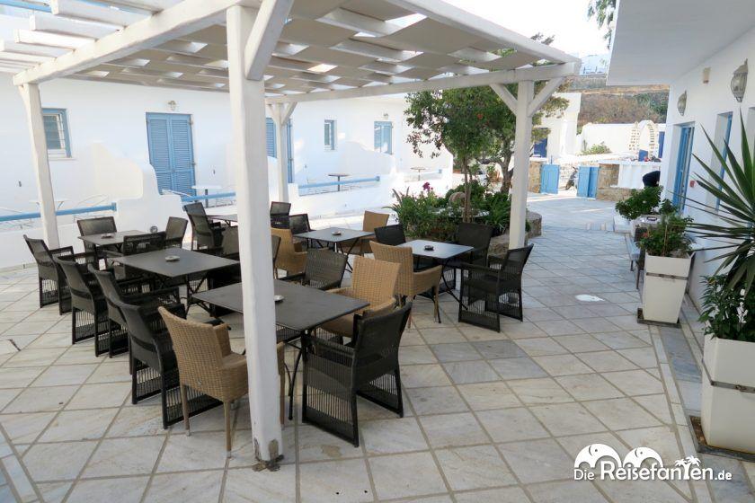 Der Frühstücksbereich im Magas Hotel auf Mykonos
