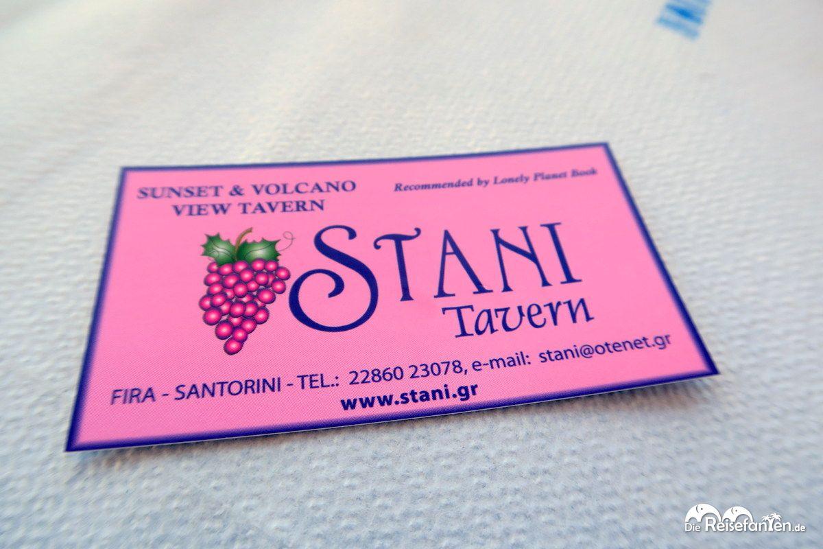 Die Visitenkarte der Stani Tavern in Fira auf Santorini