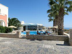 Der Pool im Hotel Villa Manos auf Santorini