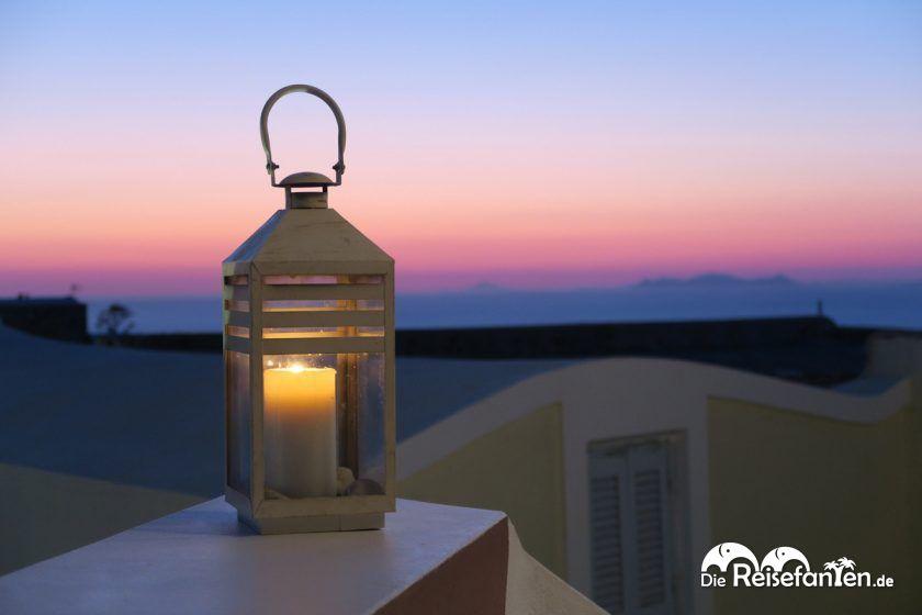 Die blaue Stunde vom Restaurant Kyprida in Oia