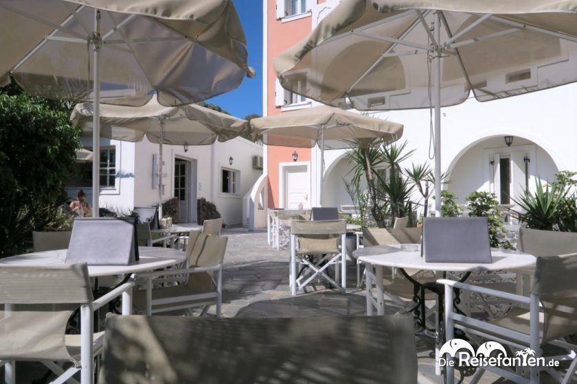 Essbereich im Hotel Villa Manos auf Santorini