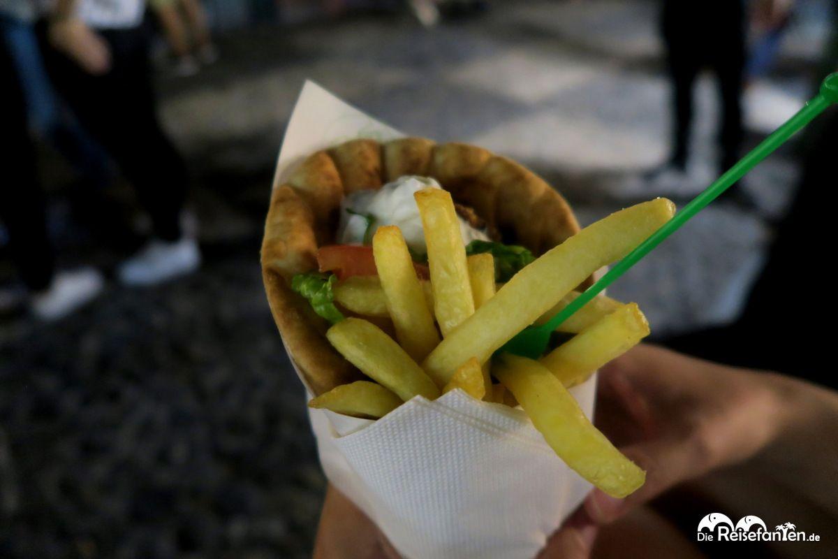 Fast Food auf griechisch in Fira