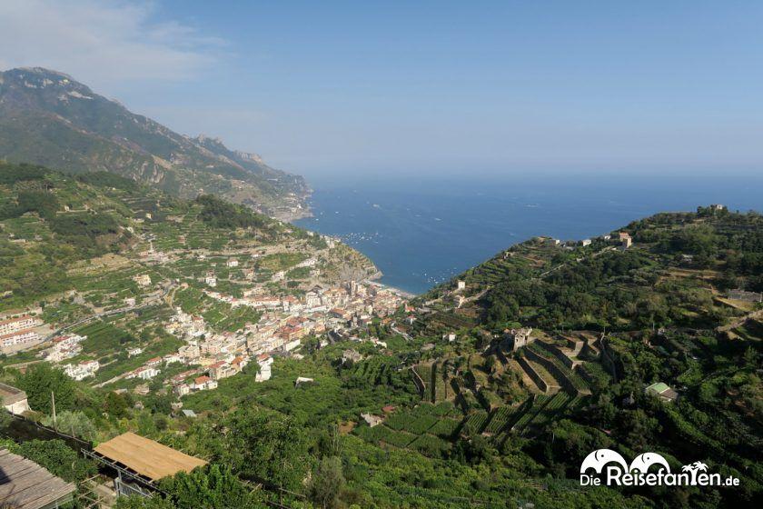 Aussicht auf die Amalfiküste vom Il Rifugio del Poeta in Ravello