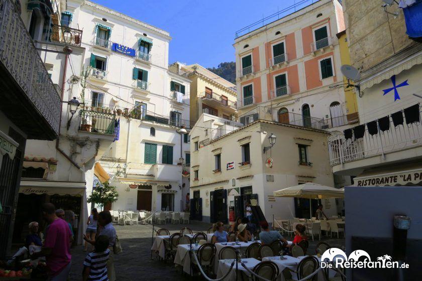 Platz inmitten von Amalfi