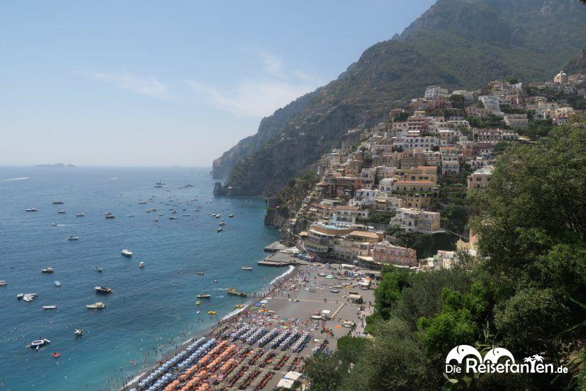 Positano und der vorgelagerte Strand