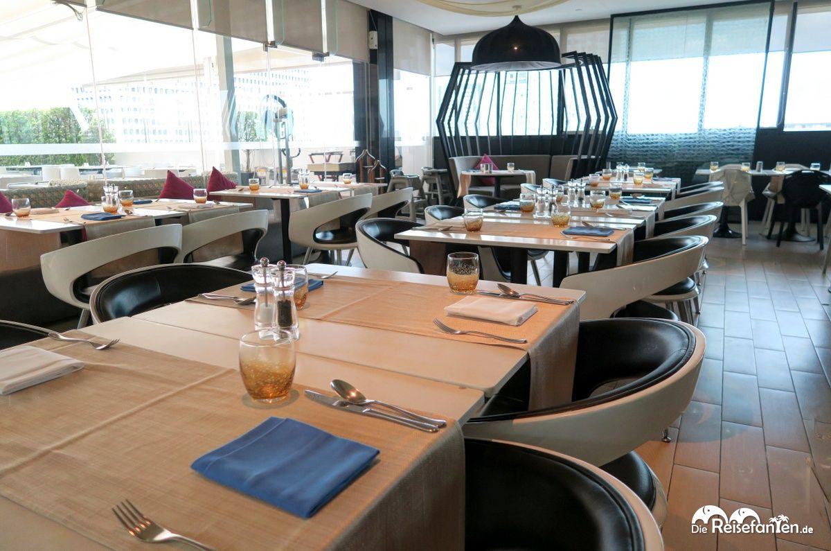 Restaurantbereich im Centara Watergate Pavillion Hotel Bangkok 1