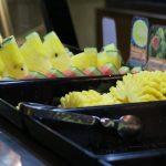 Ananas und Melone im Baiyoke Sky Hotel in Bangkok