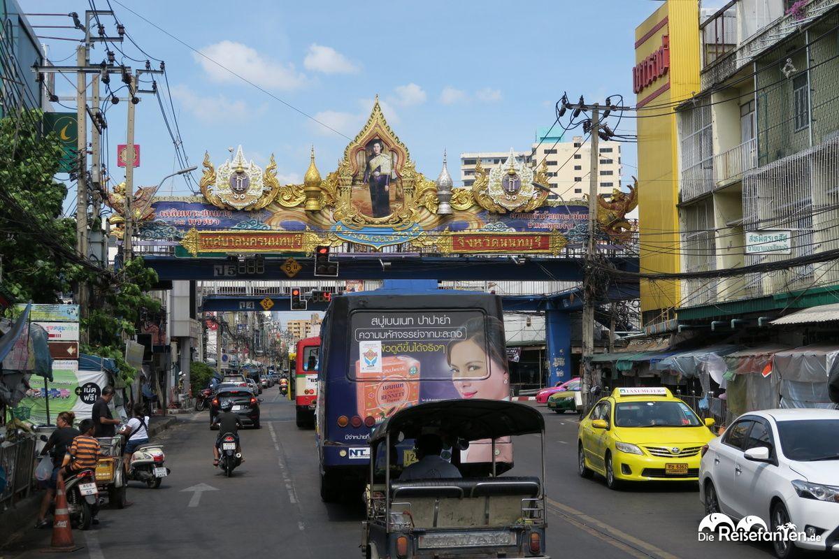 In Nonthaburi finden sich kaum noch englische Schilder