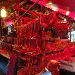 Rohes Fleisch auf dem Markt von Nonthaburi