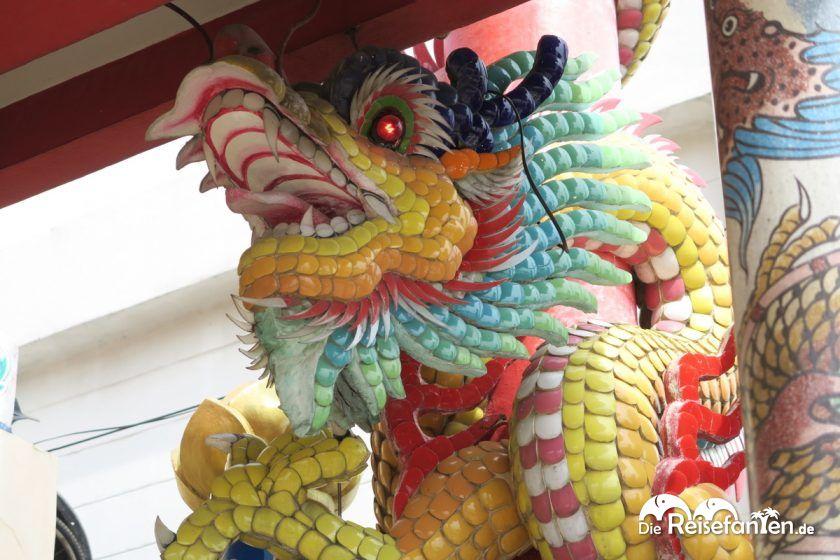 Ein Drache im Shinto Schrein in Nonthaburi