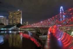 Die Helix Bridge in Singapur