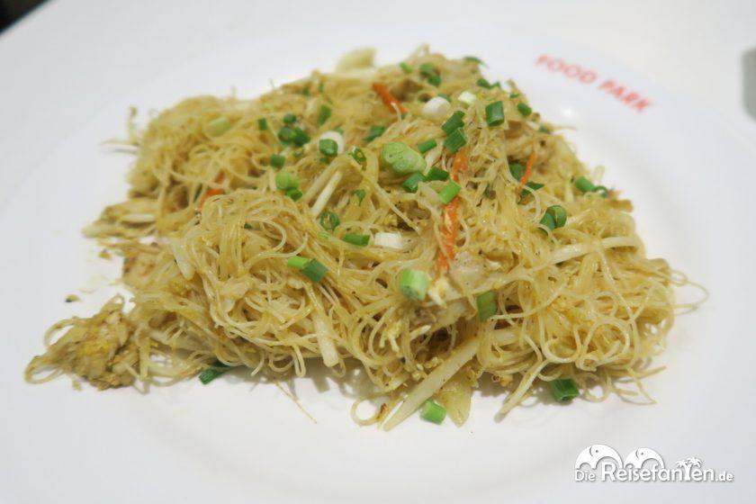 Leckeres Essen im Robinson Food Park in Bangkok