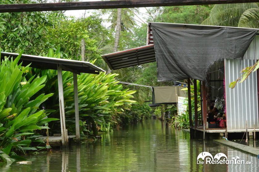 In den ruhigen Kanälen unterwegs zum Floating Market