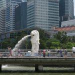 Blick auf den Merlion während der River Cruise in Singapur