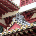 Tempelverzierungen in Singapurs Chinatown