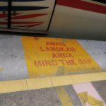 An der Bahnsteigkante in Kuala Lumpur