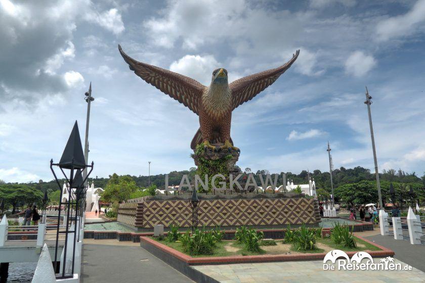 Die 12 m hohe Adlerstatue in Kuah auf Langkawi
