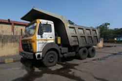 Erztransporter am Hafen von New Mangalore