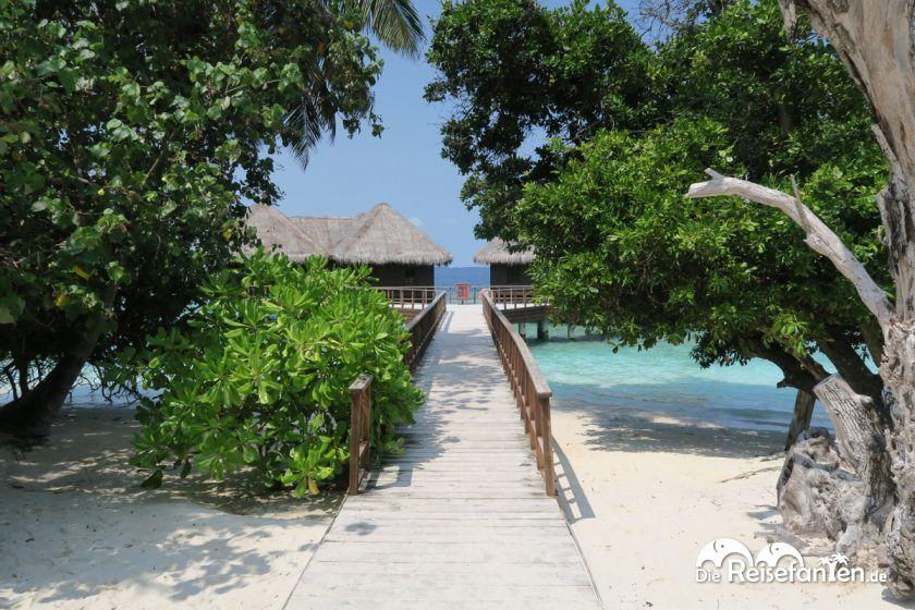 Wasserbungalow im Bandos Resort auf den Malediven
