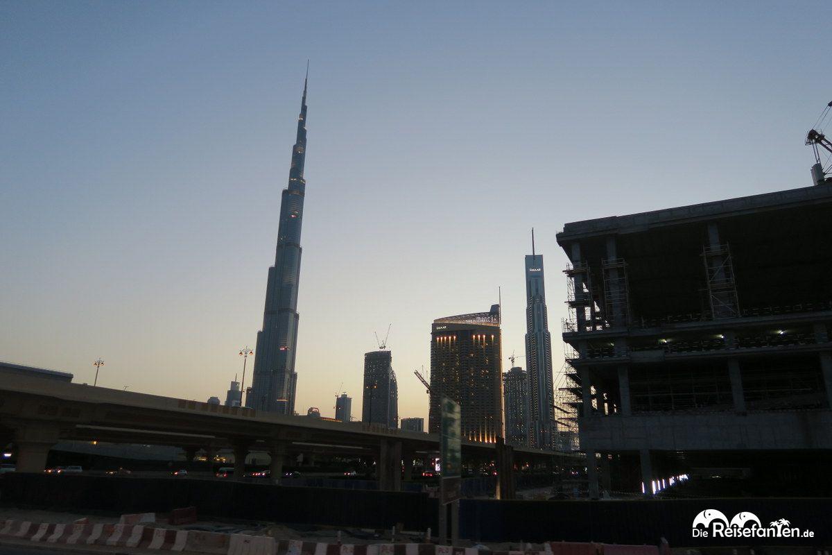 Der Burj Khalifa aus der Entfernung gesehen