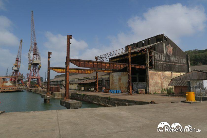 Hafengelände von Goa in Indien
